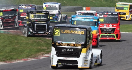 Heavyweight-heroes-primed-for-Thruxton-thrills