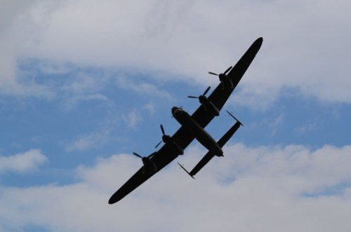 Lancaster-bomber-the-icing-on-the-Croft-Nostalgia-Festival-cake